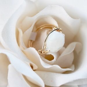 HANDMADE / White Glass Wire Wrapped Ring
